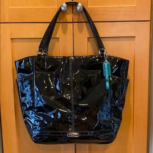 Like New Coach Black Patent Bucket Tote